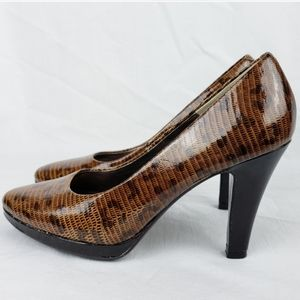Sofft beautiful heels new with no box.